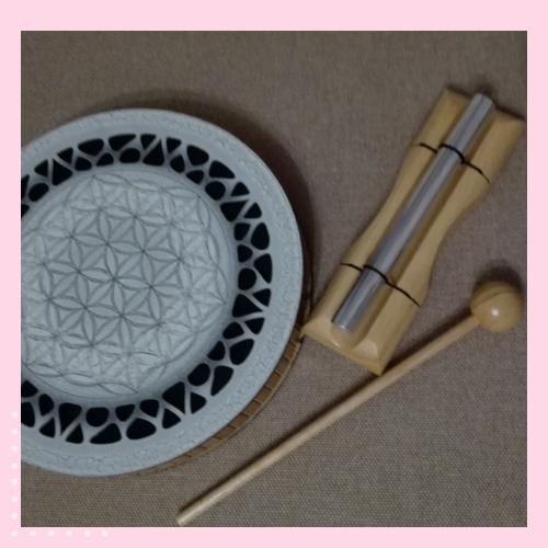 Инструменты звукотерамии: Чакрофон и ручеек