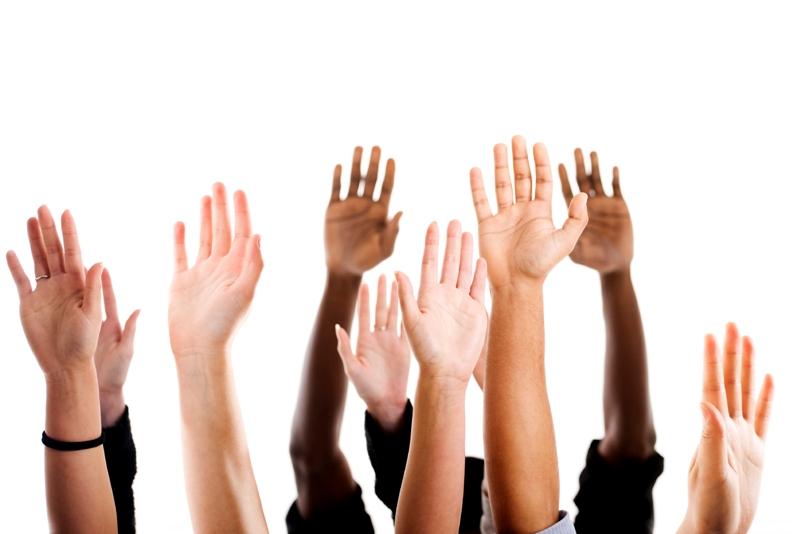 Поднятые руки - пояснение к упражнениям кегеля